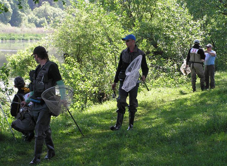 http://fishing.vn.ua/karp/foto/2011/chu2011b/su8.jpg